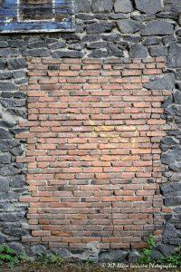 De pierres et de briques
