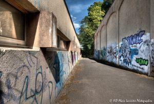 Tags à Châtel-Guyon : L'allée des tags -1N-