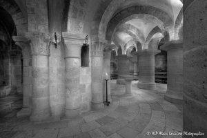 Crypte de la basilique de Saint-Benoît-sur-Loire -7N&B-