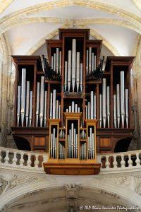L'orgue de la basilique de Saint-Benoit-sur-Loire -2R-