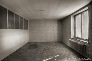 La vieille maison abandonnée, la chambre 1 -1sépia-