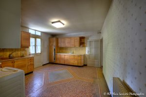La vieille maison abandonnée, la cuisine -2-