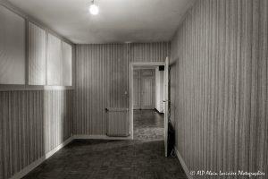 La vieille maison abandonnée, le bureau -1sépia-