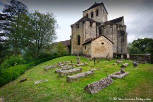 Le cimetière des moines -2M2-