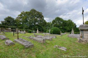 Le cimetière des moines -4M1-