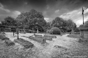 Le cimetière des moines -4M2INFRAROUGEN&B-