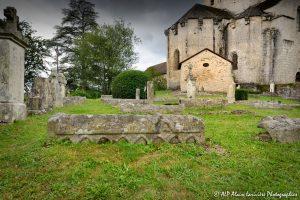 Le cimetière des moines -12M2-