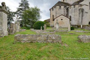 Le cimetière des moines -12N-