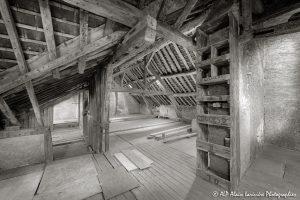 La vieille maison abandonnée, le grenier -2sépia-