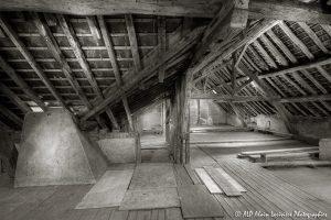 La vieille maison abandonnée, le grenier -3sépia-