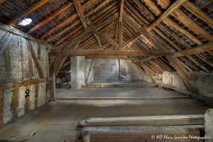 La vieille maison abandonnée, le grenier -7-