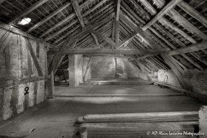 La vieille maison abandonnée, le grenier -7sépia-