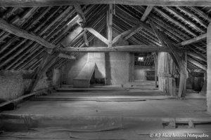 La vieille maison abandonnée, le grenier -9N&B-