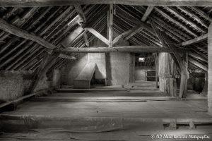La vieille maison abandonnée, le grenier -9sépia-