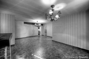 La vieille maison abandonnée, le séjour -2N&B-