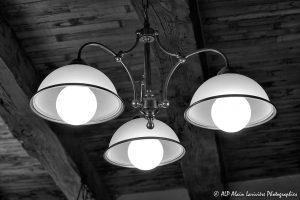 Les trois lampes -1N&B-